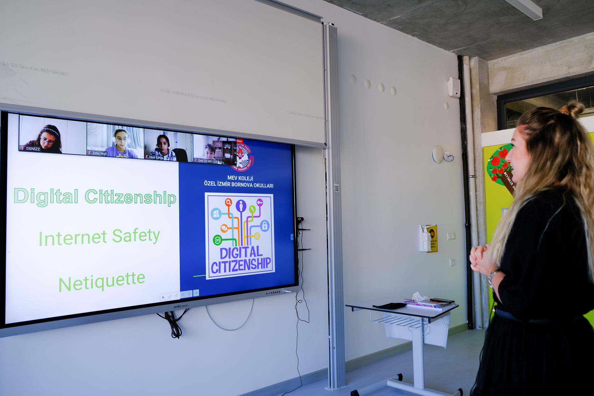 MEV Bornova'da dijital vatandaşlığa ilk adım